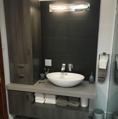 Vanit salle de bain st eustache sainte th r se boisbriand for Salle de bain 25 st eustache